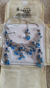 Necklace Earrings and Maang tikka set New in Chicago, Illinois