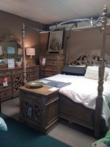 6 PC KING CANOPY BEDROOM SET in Fort Campbell, Kentucky