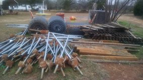 Chain link fences and Pickett fences for sale in Warner Robins, Georgia