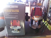 plunge router 1.5 hp in Yucca Valley, California