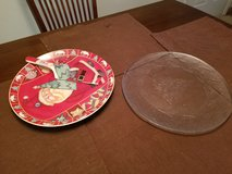 Christmas decorative plates in Fort Lewis, Washington