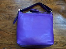 Purple Leather Coach Purse in Fort Campbell, Kentucky