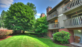 *Beautiful, affordable apartments by JBLM* in Fort Lewis, Washington