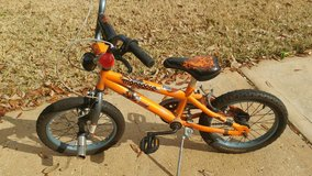 kids bike 16 in with kickstand and pegs in Spring, Texas