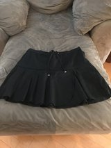 Size 8 skirt, never worn in Moody AFB, Georgia