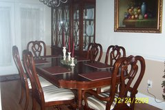 Beautiful Dining Room Table & 6 Chairs with China Cabinet in Byron, Georgia