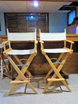 WOODEN CANVAS FOLDABLE DIRECTOR'S BAR STOOL TALL CHAIR - LIKE NEW!! in Naperville, Illinois