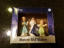 Westland Disney Frozen Salt and Pepper Shaker Set NEW in Oswego, Illinois