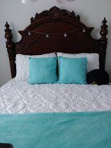 Solid wood queen size bed in Conroe, Texas