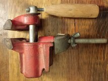 REDUCED Vintage bench vise in 29 Palms, California