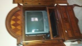 25 inch television for sale. This TV is in perfect condition. in Lawton, Oklahoma