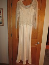 Mother of the Bride Dress~Size 6 in Yorkville, Illinois