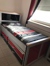 American twin size bedroom sets in Ramstein, Germany