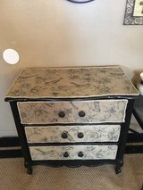 "Accent table 17""deep 31"" tall 31""wide in Cleveland, Texas"