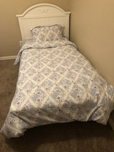 White twin girls bed NEW in Conroe, Texas