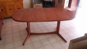 """Table 2 leafs 6 chairs 64x41"""" w/o leafs in Fort Riley, Kansas"""