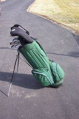 GOLF BAG WITH 11 CLUBS AND A BUNCH OF BALLS in Chicago, Illinois