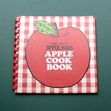 1976 APPLE HAUS Long Grove Cookbook in Glendale Heights, Illinois