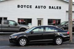 2013 VOLKSWAGEN JETTA 2.5 SE. Only 65,500 miles..EXTRA CLEAN in Fort Drum, New York