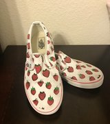 Vans strawberry girl shoe size 3 in Fort Bliss, Texas