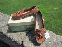 NEW 6.5W Brown Leather Slip On Tassel Loafer Shoe wTag THOM MCAN Comfy in Brookfield, Wisconsin