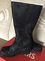 ladies suede wedge boots in Lakenheath, UK
