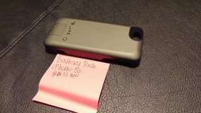 iPhone 5s Battery Case in Bolingbrook, Illinois