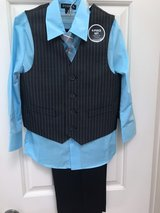 Boys Size 5 Suit Set - New in The Woodlands, Texas