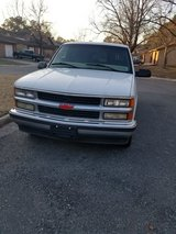 99 Chevy Suburban low mileage in New Orleans, Louisiana