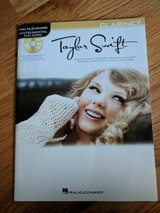 CLARINET Taylor Swift Music Book with CD in Glendale Heights, Illinois