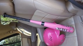 Pink baseball bat & helmet in Warner Robins, Georgia