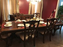 Formal Dining room e/ hutch in Hampton, Virginia
