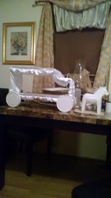 Wedding Cake tray in Fort Drum, New York
