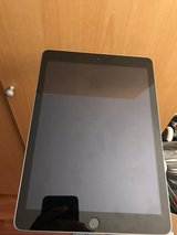 iPad 5th generation 32gb in Stuttgart, GE