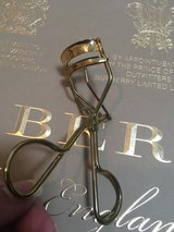 New Dolce & Gabbana Eyelash Curler in Ramstein, Germany