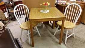 Table & 2/ Chairs REDUCED in Fort Campbell, Kentucky