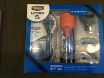 Schick shaving gift set-NIB in Orland Park, Illinois
