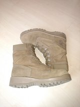 Bates Temperate Weather gortex boots size 10R in Quantico, Virginia