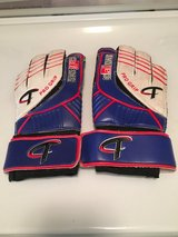 Leather youth soccer goalie gloves in Oswego, Illinois