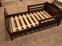 Pottery Barn Kids toddler bed in Aurora, Illinois