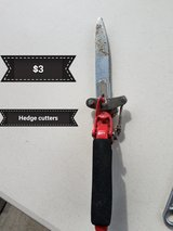Hedge trimmers in Travis AFB, California
