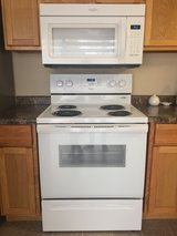Used electric range & microwave set in Oswego, Illinois