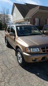 Isuzu Rodeo LSE 4WD Low Mileage BEST OFFER - CLEAN in Glendale Heights, Illinois