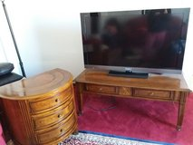 Coffee Table and End Table in Fort Leavenworth, Kansas