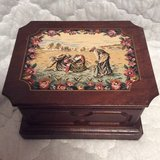 Vintage: Silk Art Jewelry Box in Warner Robins, Georgia