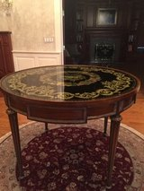 Round Table in Tinley Park, Illinois