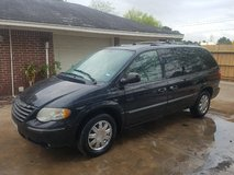 05 Chrysler Town & Country LIMITED....NICE in Pasadena, Texas