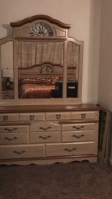 KING size bedroom furniture in Yucca Valley, California