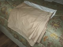 FULL SIZE BED SKIRT in Macon, Georgia