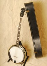 5 String Banjo with mahogany resonator, stand, case - $150 in Fort Meade, Maryland